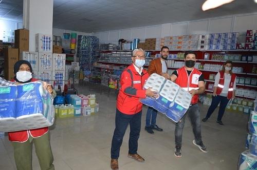 Depremzedelere 5 tır yardım gönderildi 2
