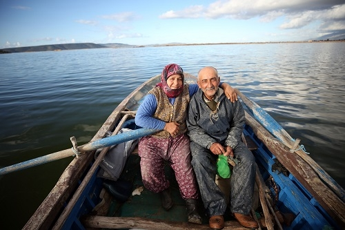 Aydınlı çift, 40 yıldır birlikte kürek çekiyor   11