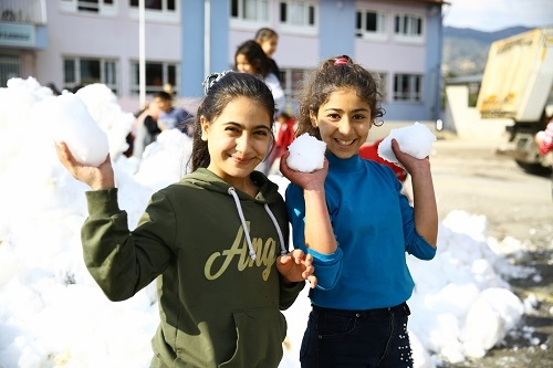 Çerçioğlu'ndan kar jesti 1