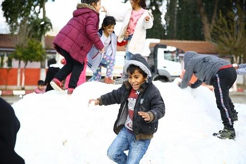 Çerçioğlu'ndan kar jesti 8