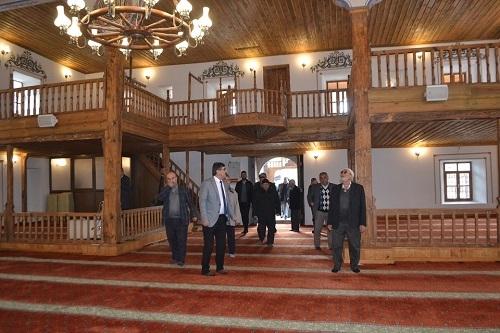 Restorasyonu tamamlanan tarihi cami ibadete açıldı 3