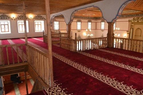 Restorasyonu tamamlanan tarihi cami ibadete açıldı 6