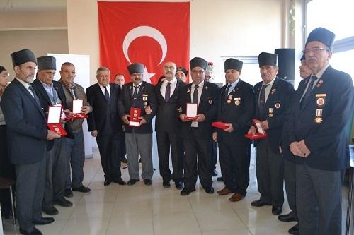 Kıbrıs gazileri 46 yıl sonra madalyalarına kavuştu 1