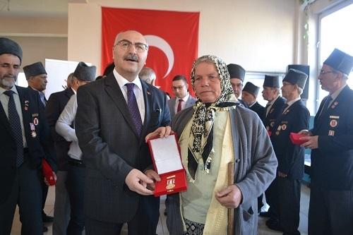 Kıbrıs gazileri 46 yıl sonra madalyalarına kavuştu 4
