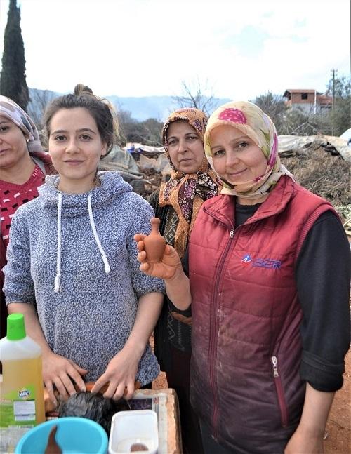Karacasu çömlekleri kadınların elinde şekilleniyor 3