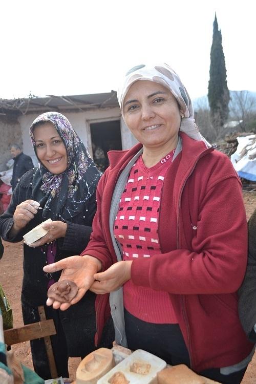 Karacasu çömlekleri kadınların elinde şekilleniyor 7