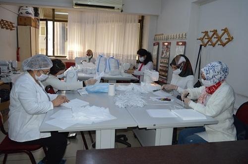 Aydın'da milli mücadele ruhuyla maske üretimi 12