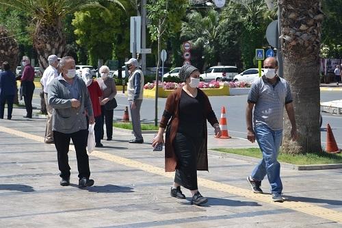 Aydın'ın sokakları yaşlılara kaldı 13