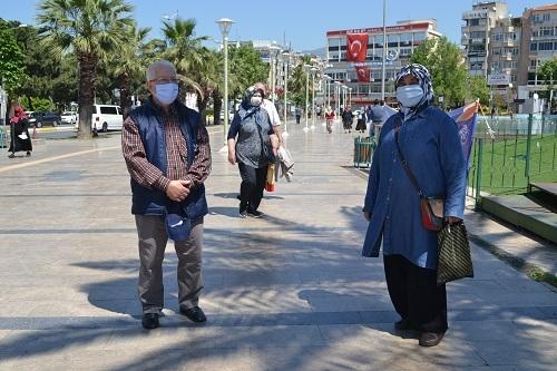 Aydın'ın sokakları yaşlılara kaldı 6