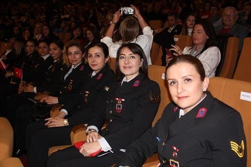 Aydın'da 'Zamansız Kadınlar' büyük beğeni topladı 11