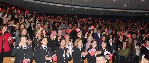 Aydın'da 'Zamansız Kadınlar' büyük beğeni topladı 2