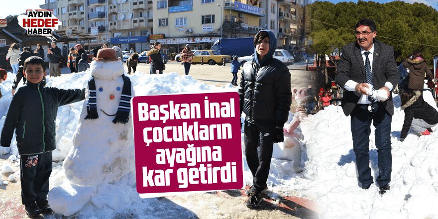Başkan İnal, çocukların ayağına kar getirdi