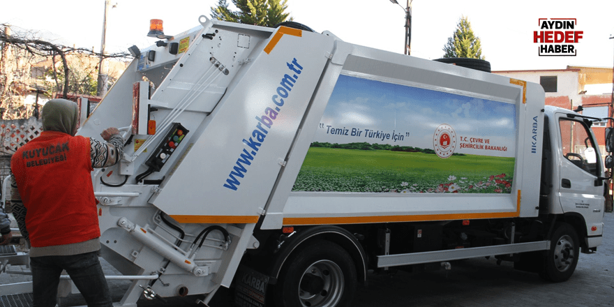 Kuyucak'a çöp kamyonu hibe edildi