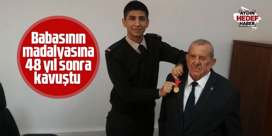 Babasının madalyasına 48 yıl sonra kavuştu