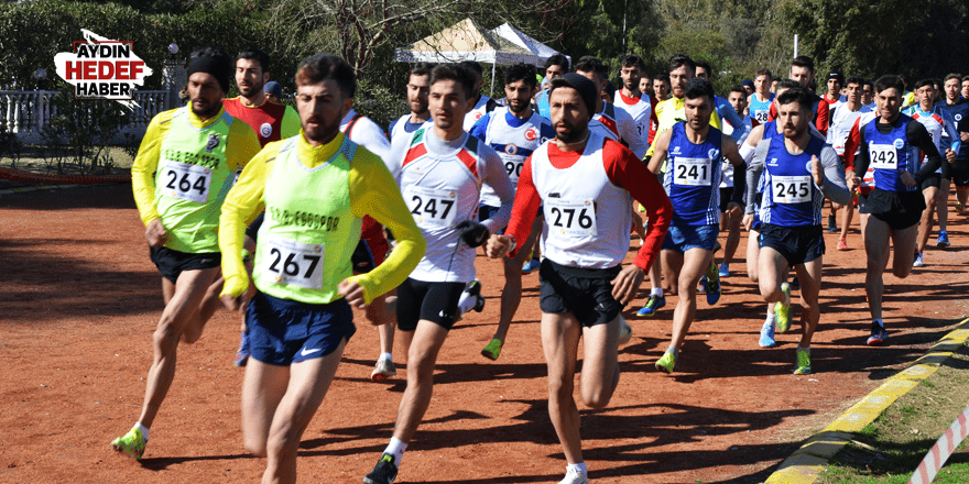 331 sporcu Kuşadası'nda koştu