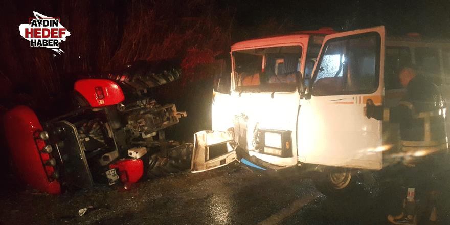 Minibüs ve traktör çarpıştı: 2 yaralı