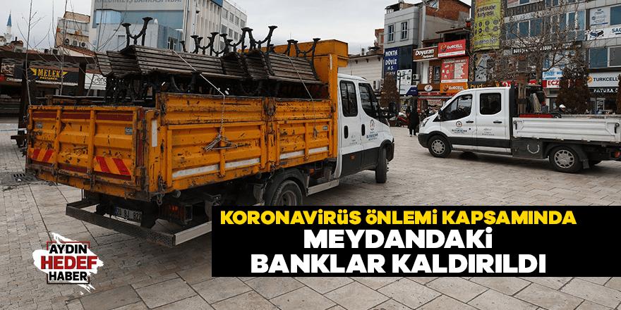 Denizli'de meydandaki banklar kaldırıldı