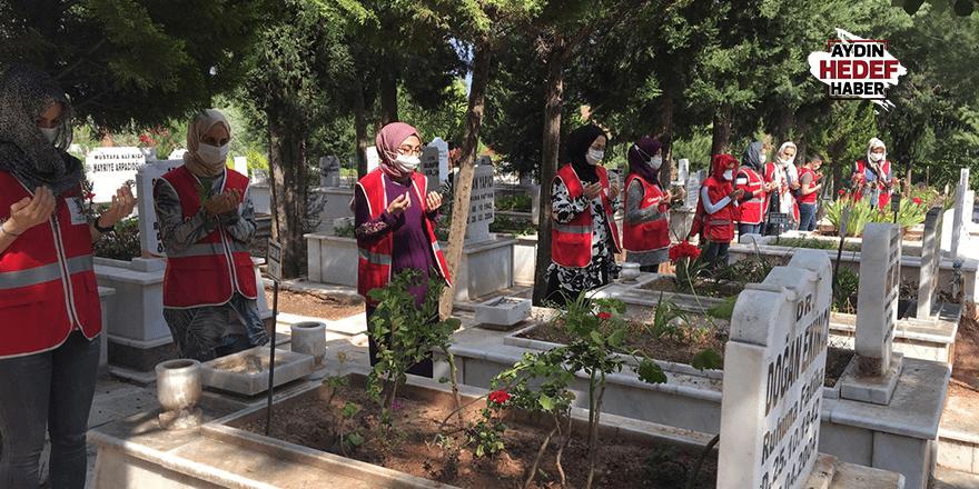 Kızılay Kadın Kolları'dan anlamlı ziyaretler