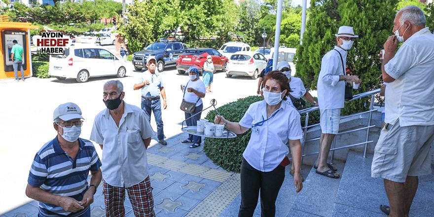 Başkan Atabay'dan vatandaşlara ikram