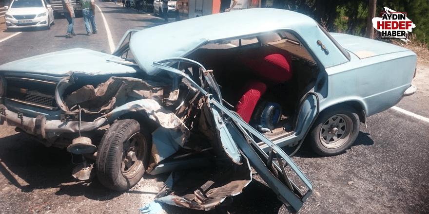 Nazilli'de kaza yapan araç hurdaya döndü