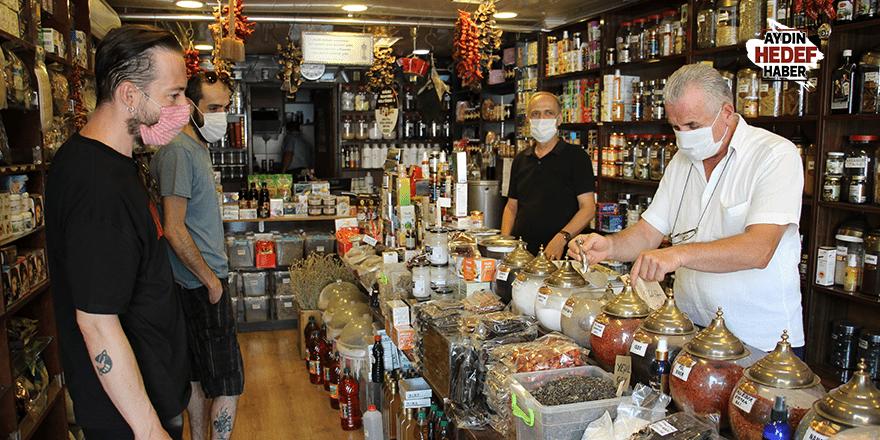 Bayram öncesi Türk kahvesi kuyruğu