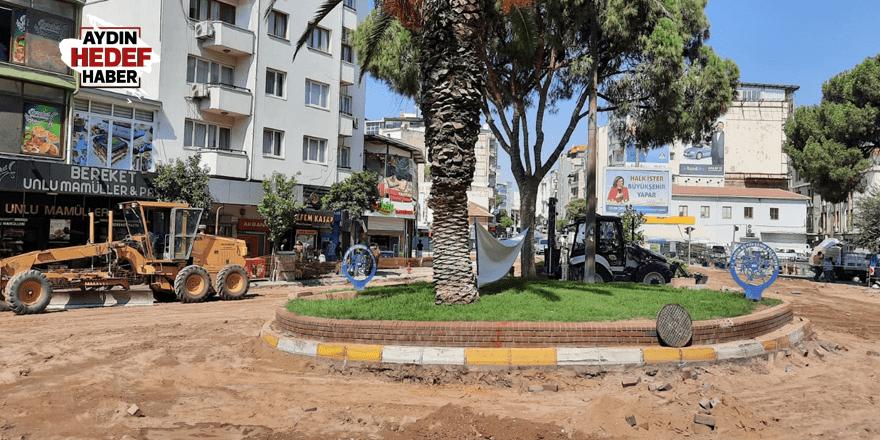 Büyükşehir Zafer Meydanı'nı yenilemeye başladı