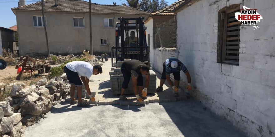 Akköy Mahallesinde yol yapım çalışmaları sürüyor