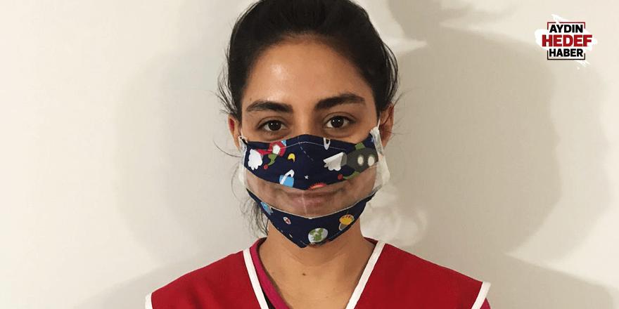 Kızılay'dan işitme engellilere şeffaf maske