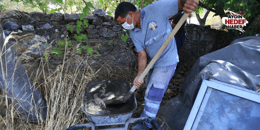 Efeler'de mezarlıklar yenileniyor