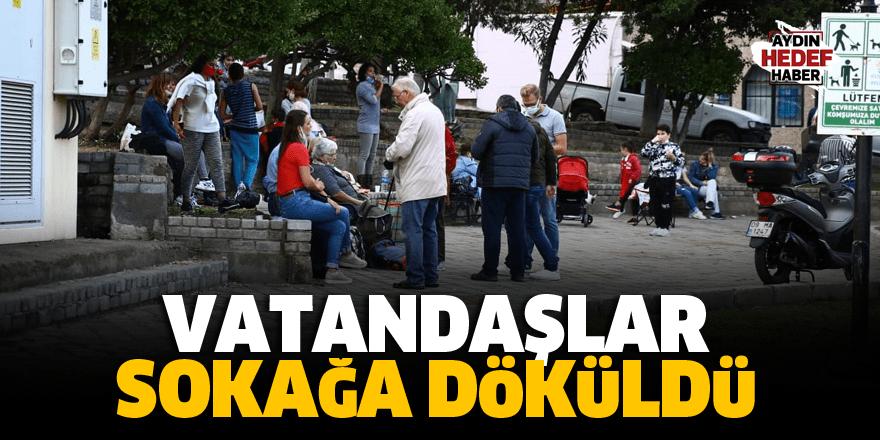 Vatandaşlar sokağa döküldü