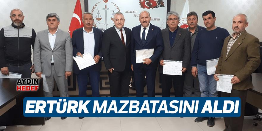 Kuyucak'ın efsane başkanı Ertürk, mazbatasını aldı