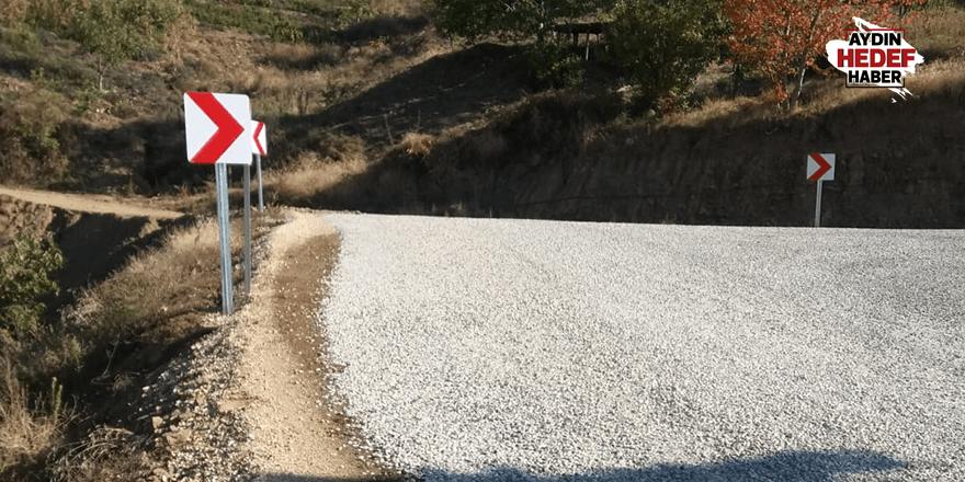 Nazilli'de kırsal mahallelerin yol levhaları yenilendi