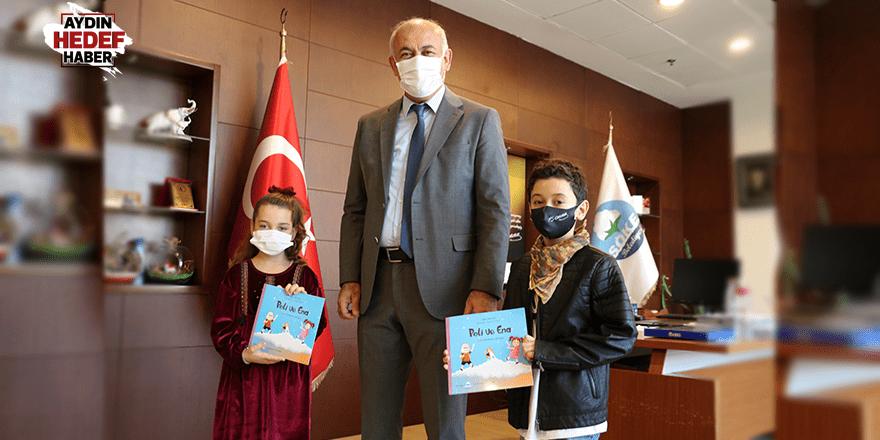 Evde kalan çocuklara kitap