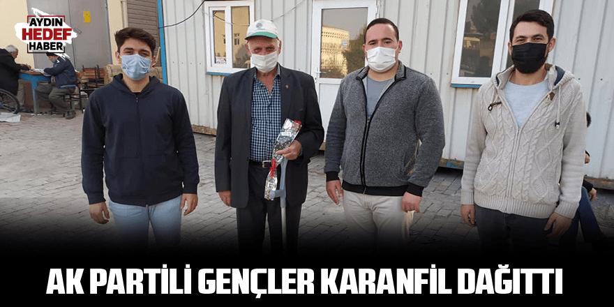 AK Partili gençler karanfil dağıttı