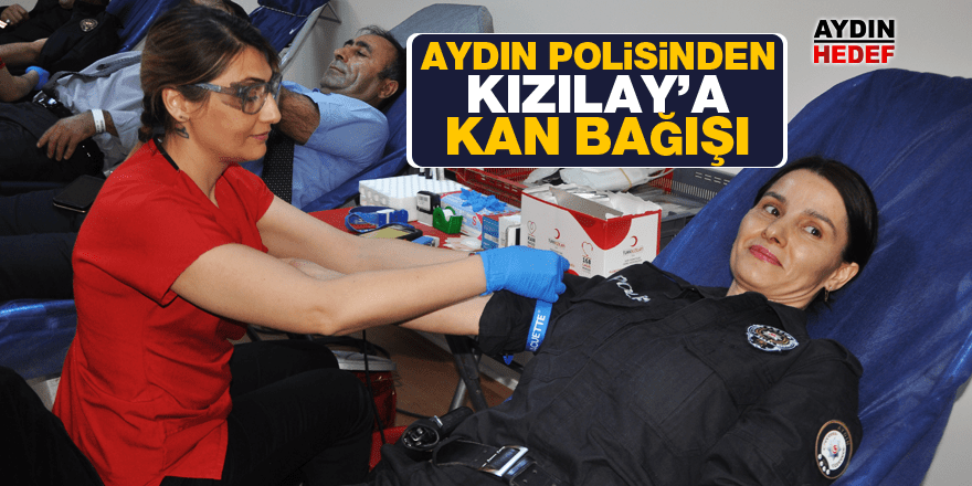 Polisten Kızılay'a kan bağışı