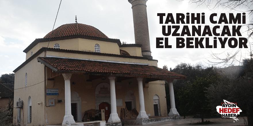 Tarihi cami uzanacak el bekliyor