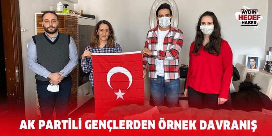 AK Partili gençlerden örnek davranış