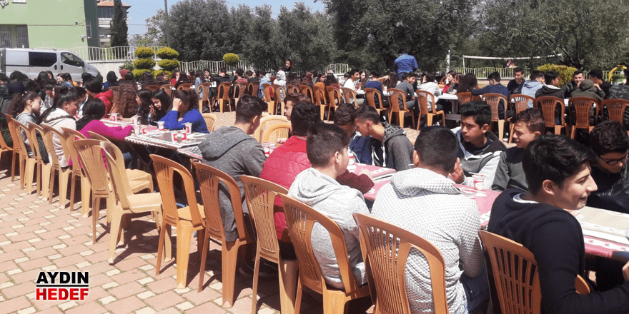 Sınav öncesi öğrencilere moral dopingi
