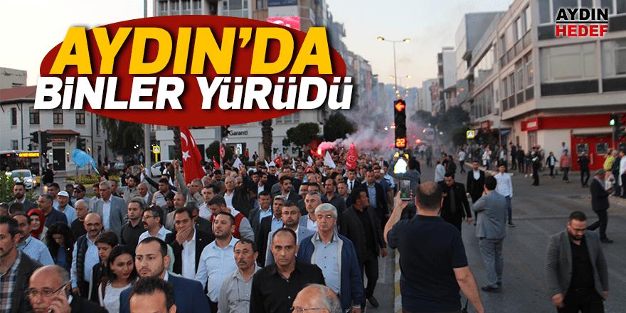 Türkçülük gününde 3 bin kişi yürüdü
