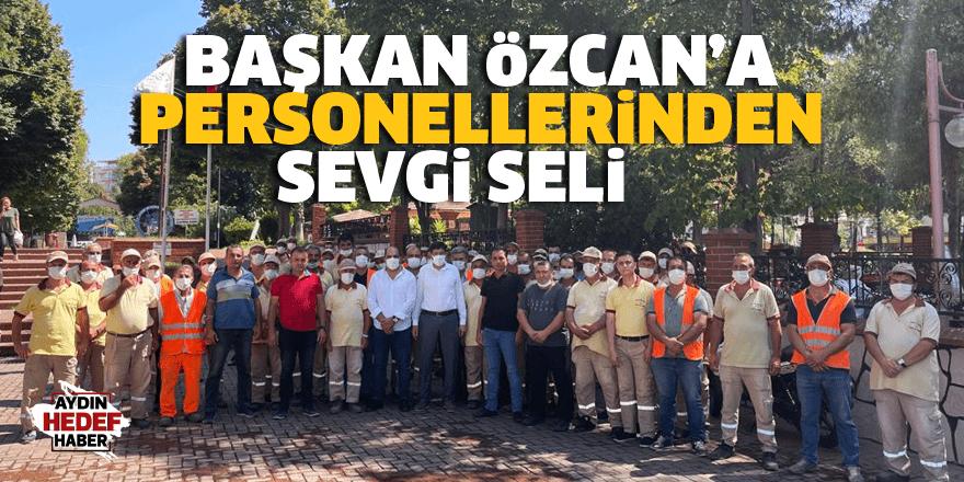 Başkan Özcan'a personellerinden sevgi seli
