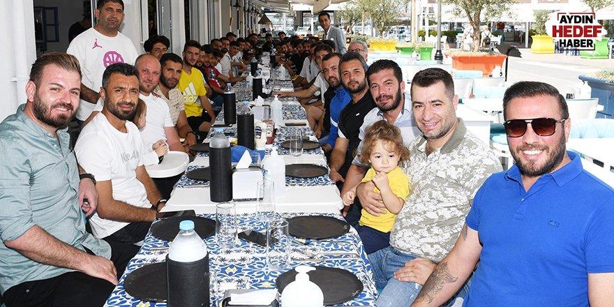 Kuşadası Gençlikspor'a moral dopingi