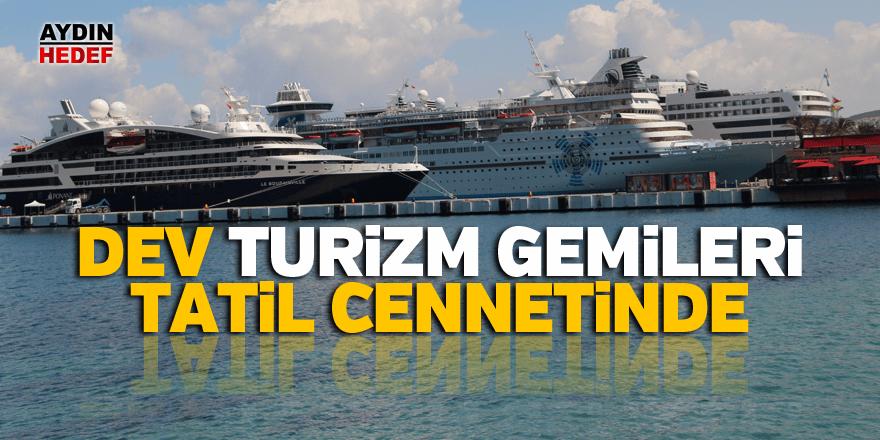 Dev turizm gemileri tatil cennetinde