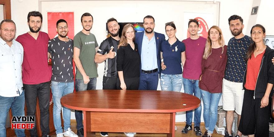 Romanyalı öğrencilerden Veterinerler Odası'na ziyaret