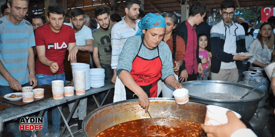 Karacasu Kaymakamlığı'ndan kardeşlik sofrası