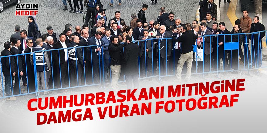 Cumhurbaşkanı mitingine damga vuran fotoğraf