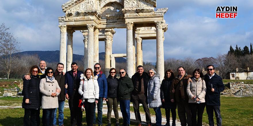 İzmirlilerden Afrodisias kültür gezisi