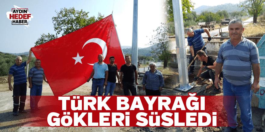 Türk Bayrağı gökleri süsledi
