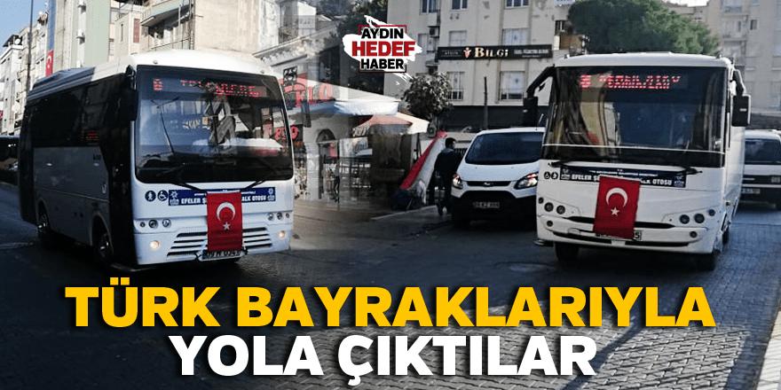 Türk bayraklarıyla yola çıktılar