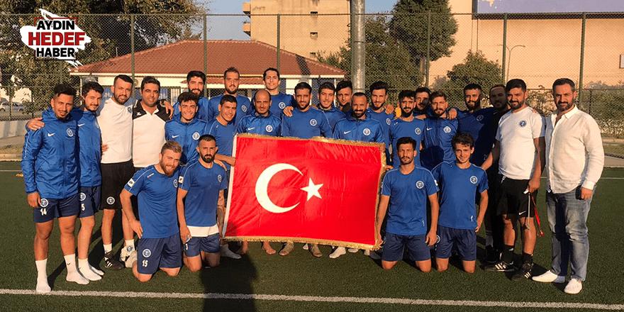 Büyükşehir, Türk bayrağı açtı
