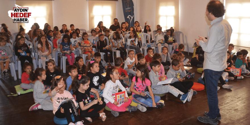 Kuşadası'nda kitap okuma etkinliği düzenlendi